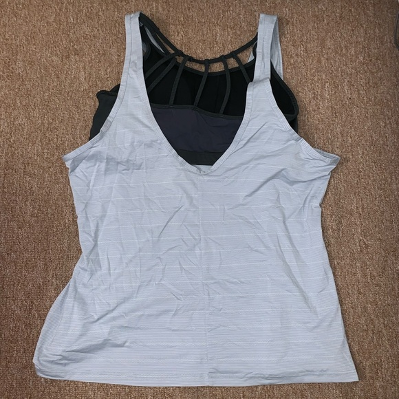1d064c6af7273 Athleta Tops - •Athleta• 2-in-1 Max Out Chi Tank